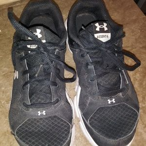 ⬇Under armour shoes